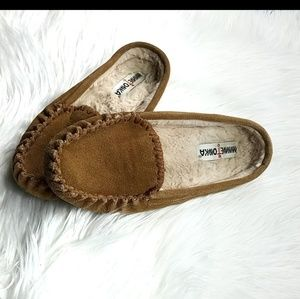 Minnetonka moccasin slippers mens